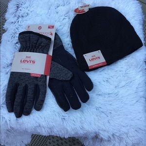Men's Levi's gloves and beanie